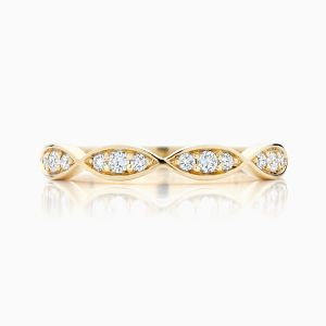 Front View of the Ecksand Curving Diamond Wedding Ring