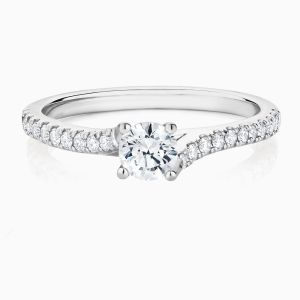 Face View of the Ecksand Twist Solitaire Diamond Pavé Ring
