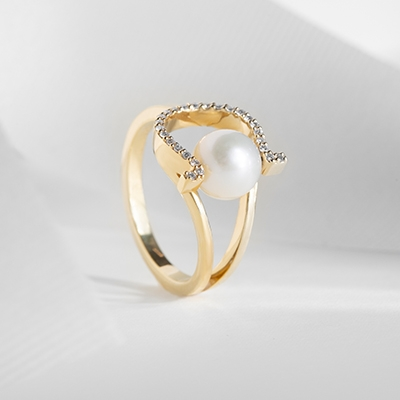 The Ecksand Lucky Pearl Diamond Horseshoe Ring in Yellow Gold