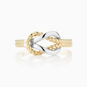 Front View of the Ecksand Tresses Twisted Knot Ring