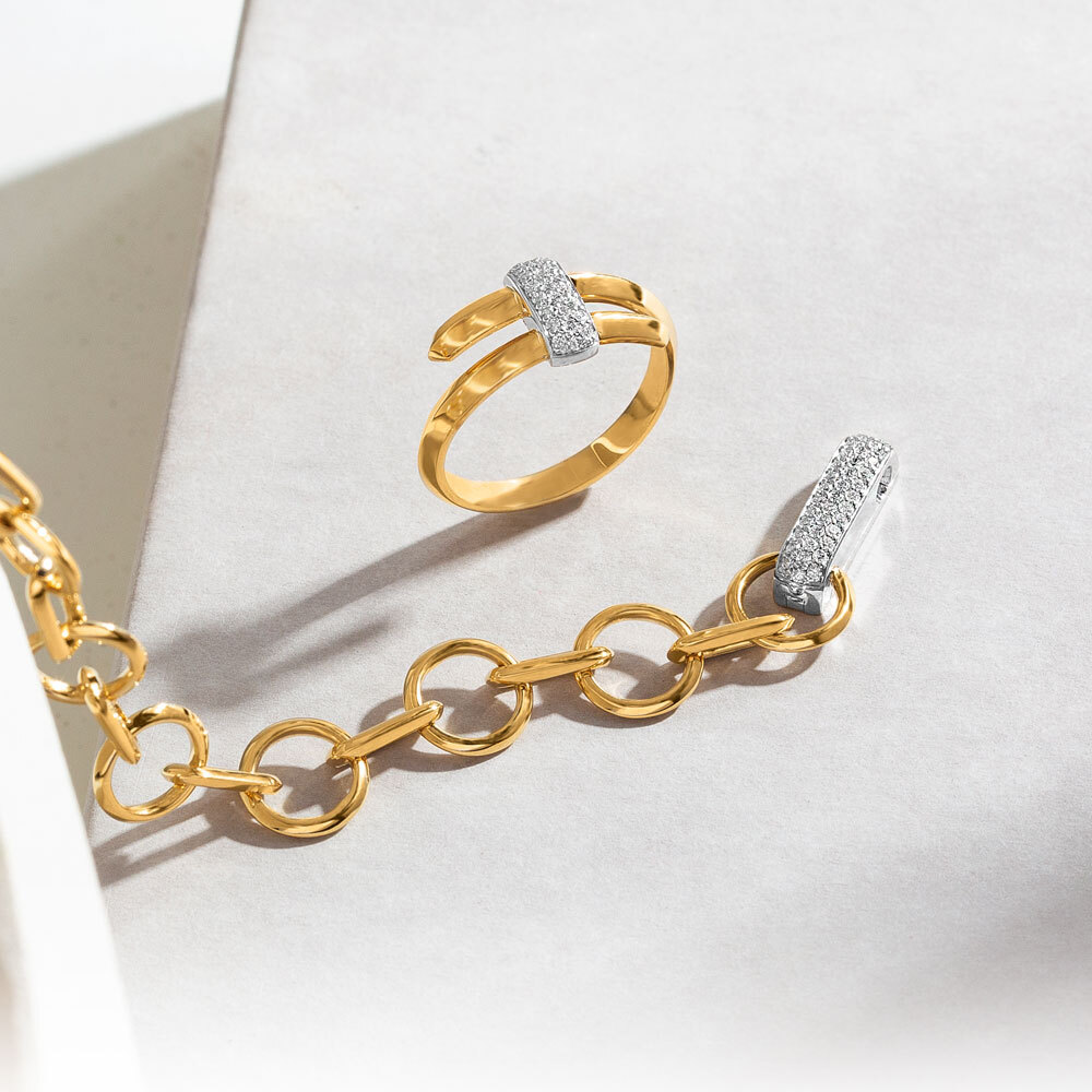 The Ecksand Dual Two-Tone Diamond Pavé Double Band Ring and Two-Tone Chain Link Diamond Pavé Necklace in White and Yellow Gold