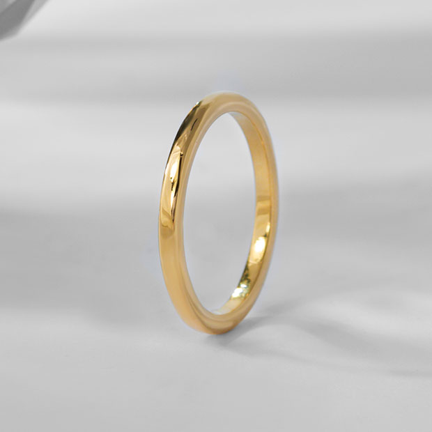 Front View of the Ecksand Classic Unisex Wedding Band in Yellow Gold