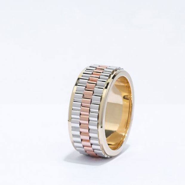 Front View of the Ecksand Men's Tricolor Men's Wedding Band in Tricolor Gold