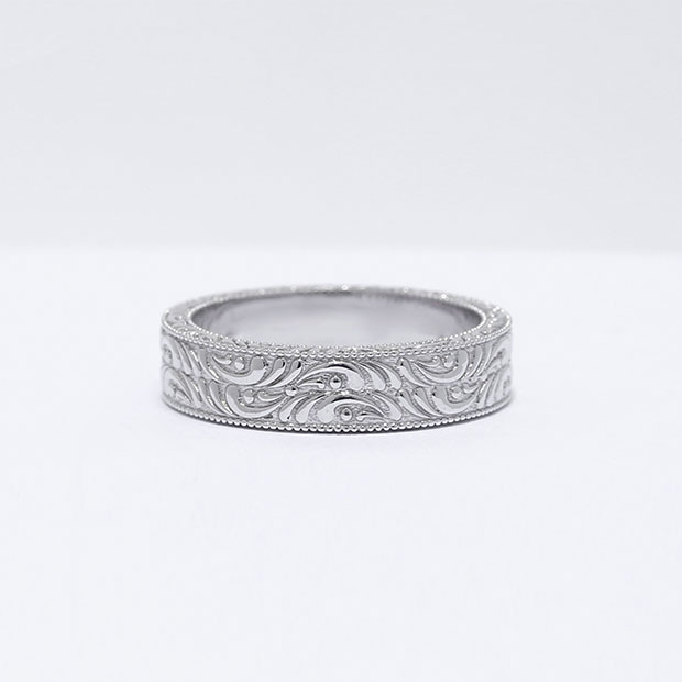 Front View of the Ecksand Men's Vintage Filigree Men's Wedding Band in White Gold